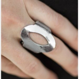 NWOT Oval silver ring
